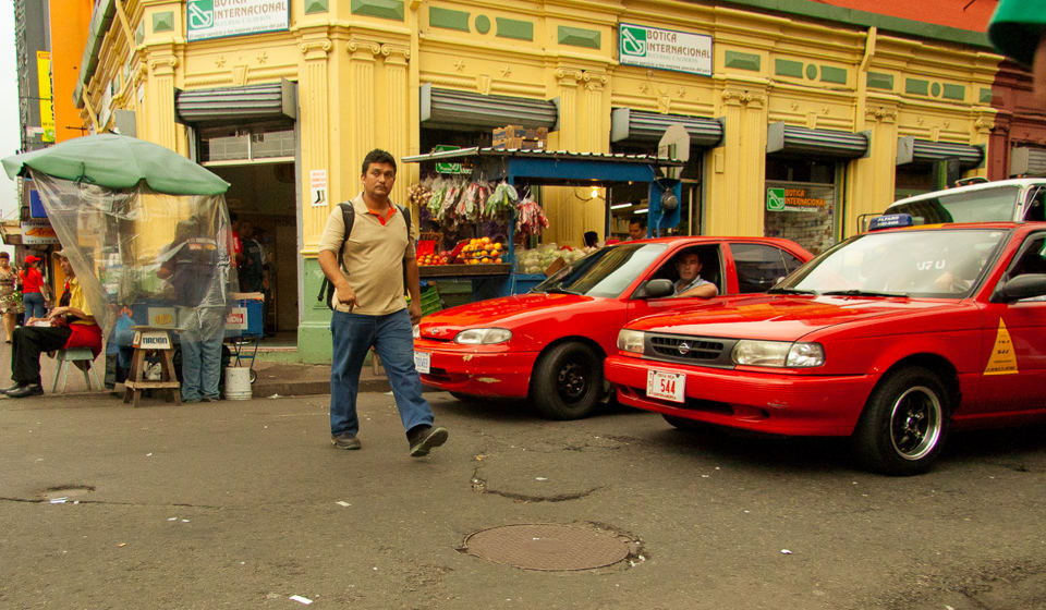 san-jose-red-taxis