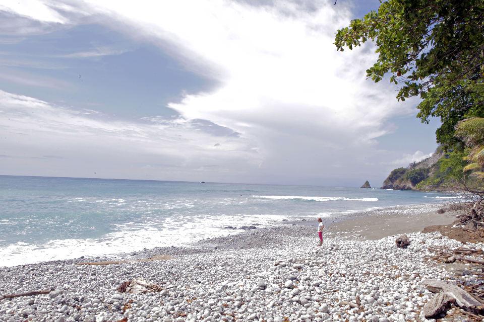 Rocky-Osa-Peninsula-Costa-Rica-Beach-JoeBaur