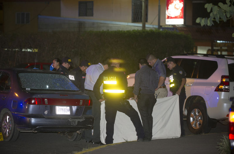 Srug related killings have been almost daily in the past several weeks in San Jose. Photo Luis Navarro/La Nacion