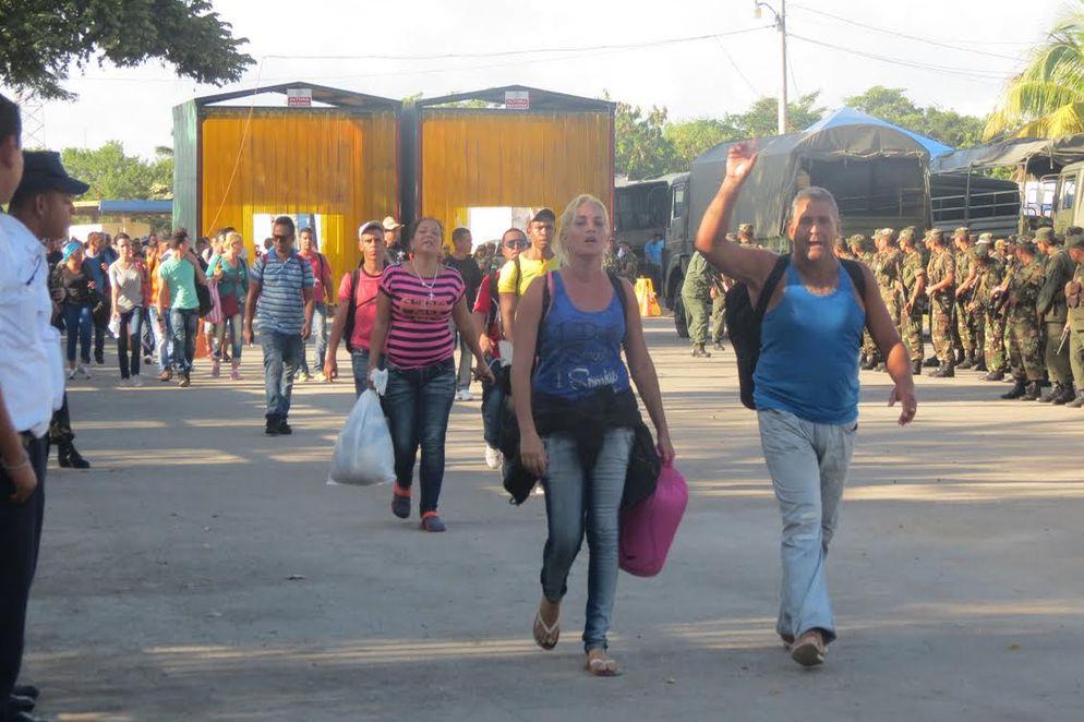 Ejercito-Policia-Nicaragua-Blancas-Previamente_LNCIMA20151115_0220_28