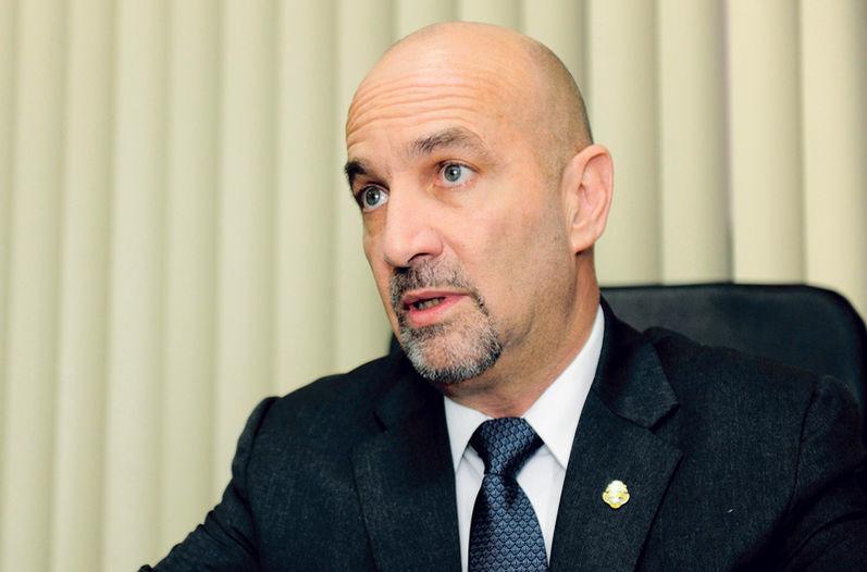 Mariano Figueres, director of Costa Rica's intelligence service, Dirección Nacional de Inteligencia y Seguridad (DIS)