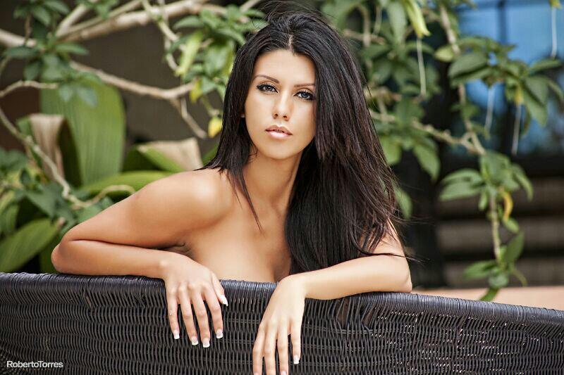 "Costa Rica model Kathia Adriana Corella Rojas all ""glamoured"""