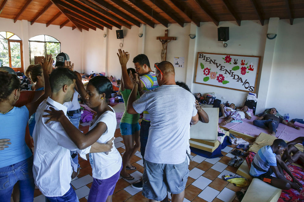Almost two months of being sttranded in Costa Rica, the first 180 Cuban migrants will be leaving the country on Tuesday, Photo Mayela López, La Nacion