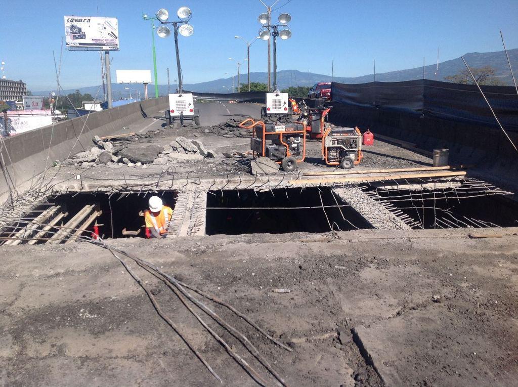 The San Jose bound lanes of the Juan Pablo II bridge undergoing repairs.