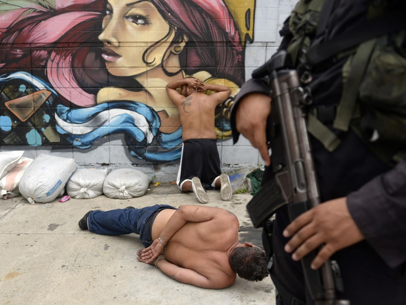 Members of the Barrio 18 gang are rounded up in San Salvador