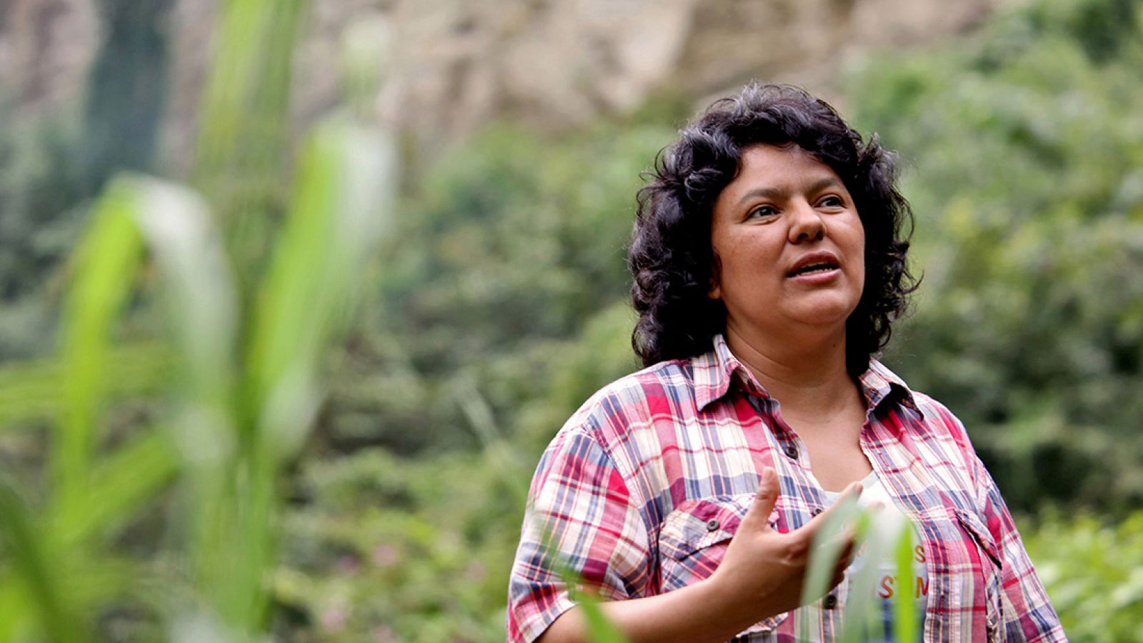 Caceres, a Lenca indigenous activist who won the 2015 Goldman Environmental Prize for her role in fighting a dam project, had previously complained of receiving death threats from police, soldiers and local landowners because of her work.