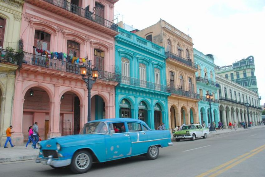 No tourism story about Havana is complete without a slightly over-saturated photo of old cars and colorful buildings