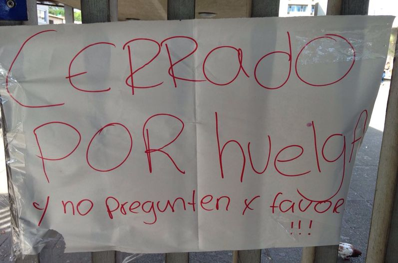 A sign tells patients the medical centre is closed due to the strike. Many lost appointments, and had surgeries cancelled.