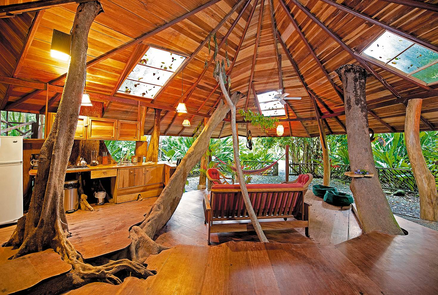 The first floor of the tree house at Tree House Lodge © Tree House Lodge