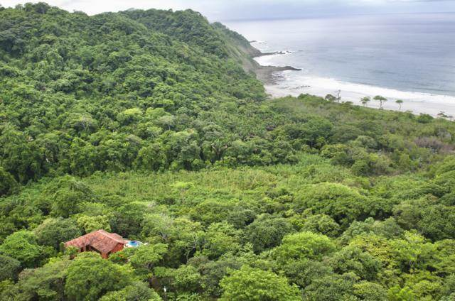 Photo of the Gibson property in Playa Barrigona fromn Christierealestate.com