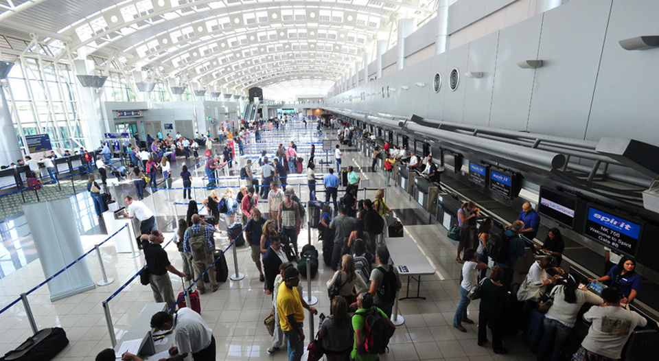 American And United Cancelled Flights On Saturday Between