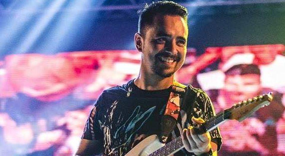 Gerardo Porras, guitarrista de Los Ajenos, fue sentenciado a dos años de cárcel por tener relaciones con menor de 14 años. (Facebook)