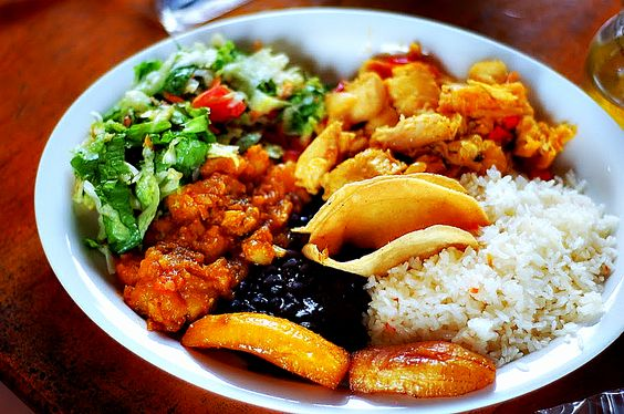 Costa Rican food : casado (rice, beans, fried plantains, salad and a