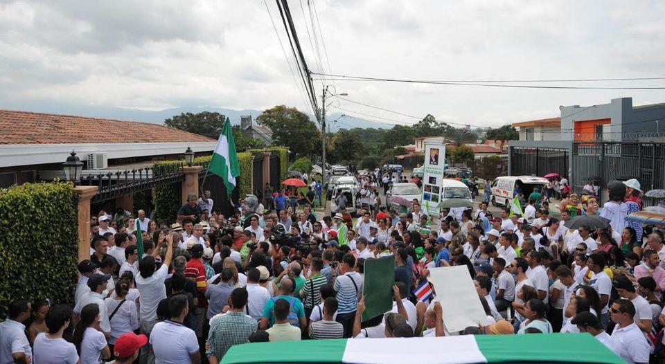 Manifestacion-casa-expresidente-Oscar-Arias_LNCIMA20160813_0077_5