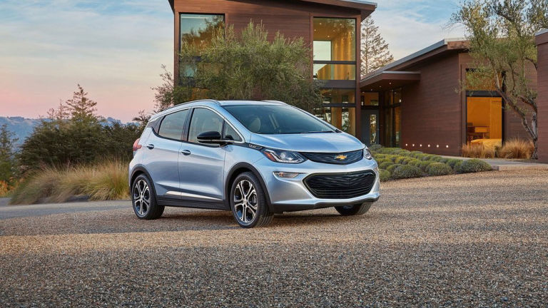 The  2017 Chevy Bolt, promise 320 km (200 miles) or more.