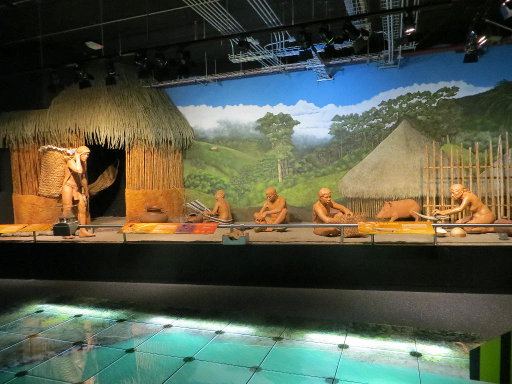 Placed throughout the Museum are life-size dioramas, or models, that will virtually take you back to life in indigenous villages over 2,000 ago.