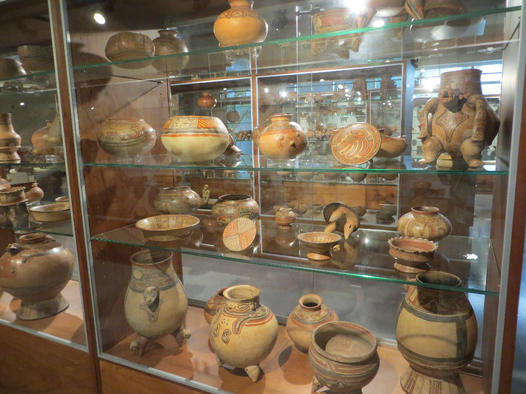 Row after row of priceless pottery and jade, much of it over 2,000 years old, will help you understand what a remarkable treasure the Jade Museum is in Costa Rica.