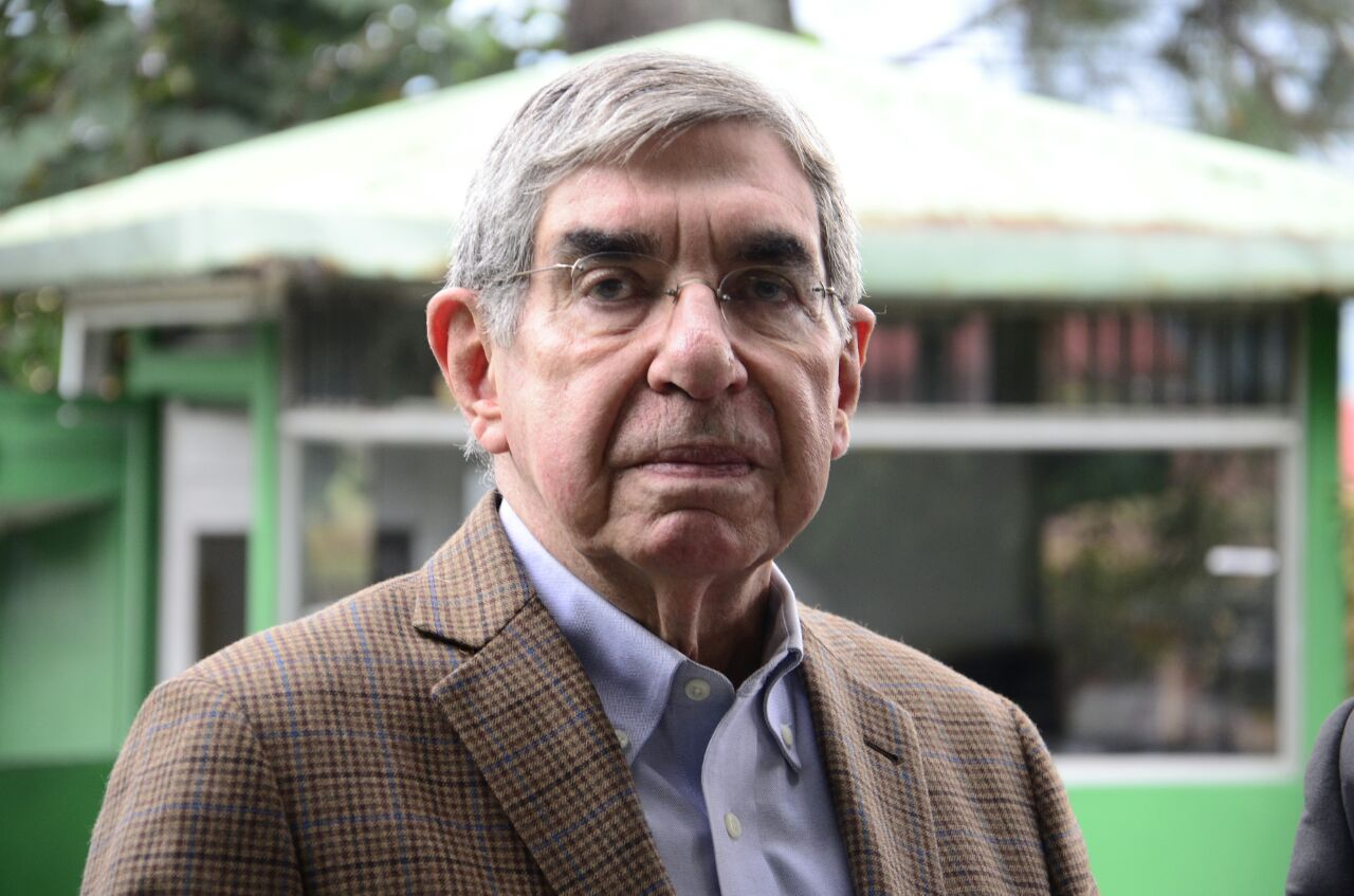 Oscar Arias, two time president of Costa Rica and winner of the Nobel Peace prize is expected to announce wether he will or will not seek the party nomination for a third presidency