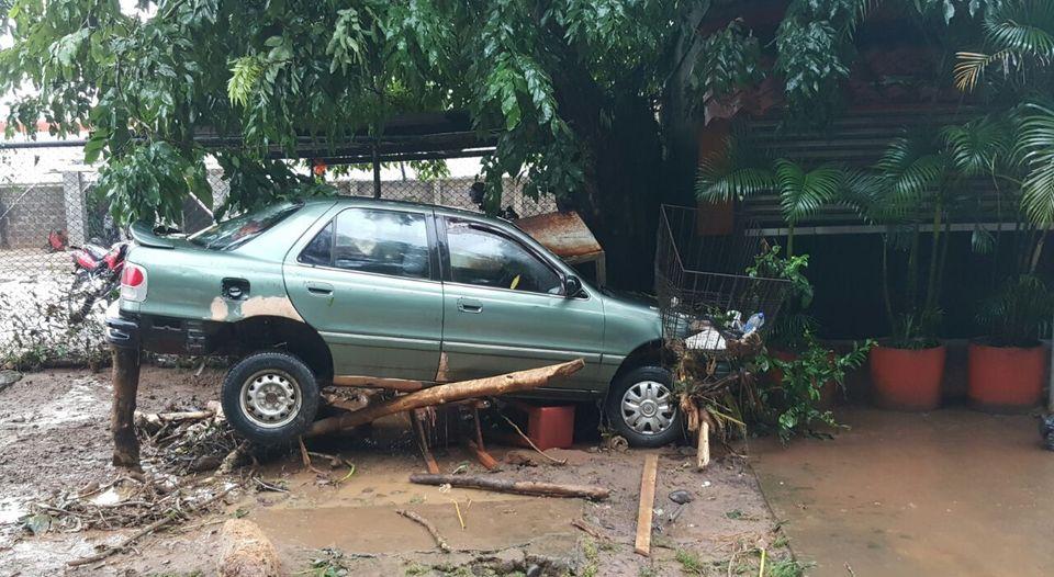 upala-escombros-destruccion-huracan-otto_lncima20161125_0077_5