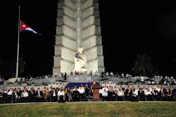 The memorial service Tuesday night held at the base of the Jose Marti memorial in La Haavana