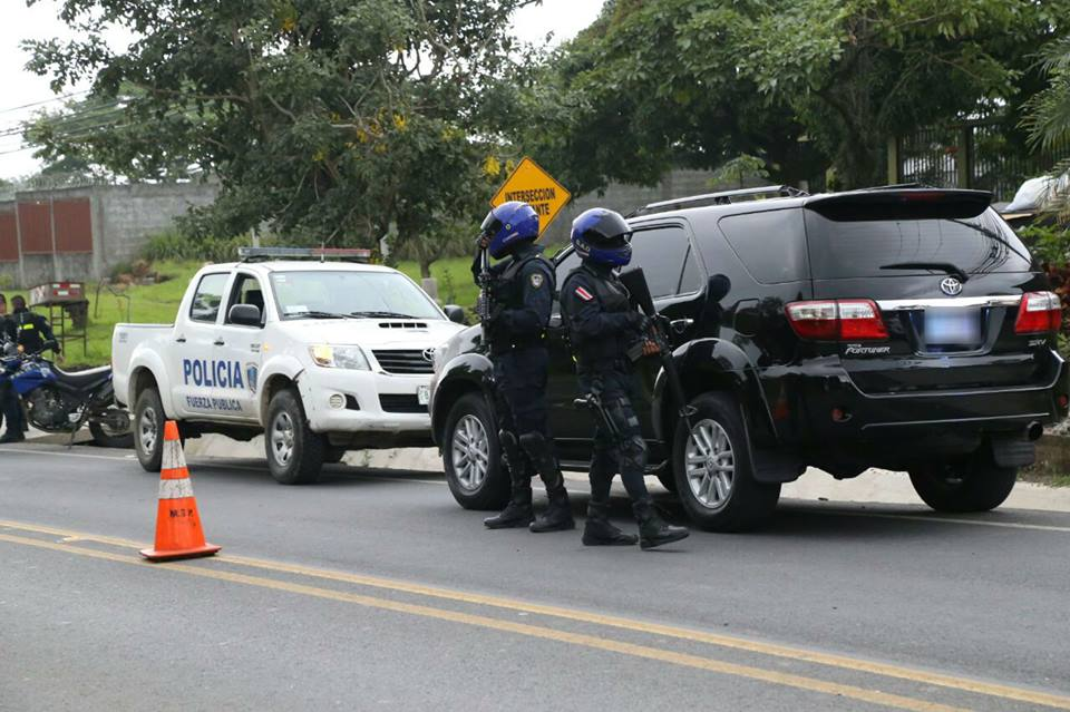 Driver Found With An Ak 47 9mm Guns Ammunition And Wads Of Cash In Car In Cuidad Colon Today