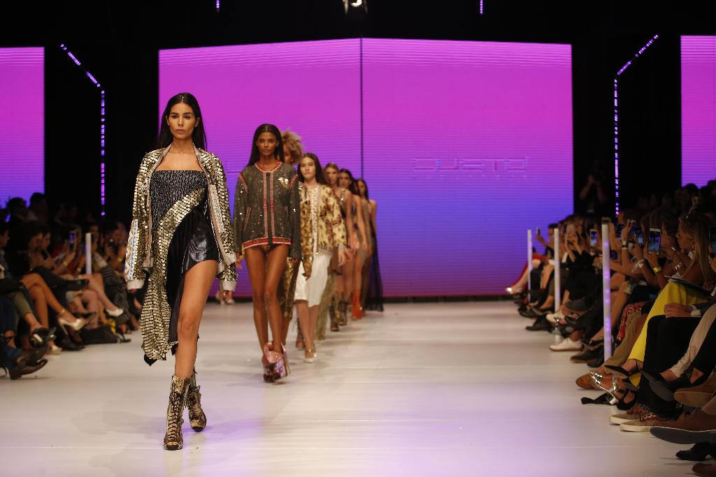 Last day for the mercedes benz fashion week san jose for Mercedes benz fashion week