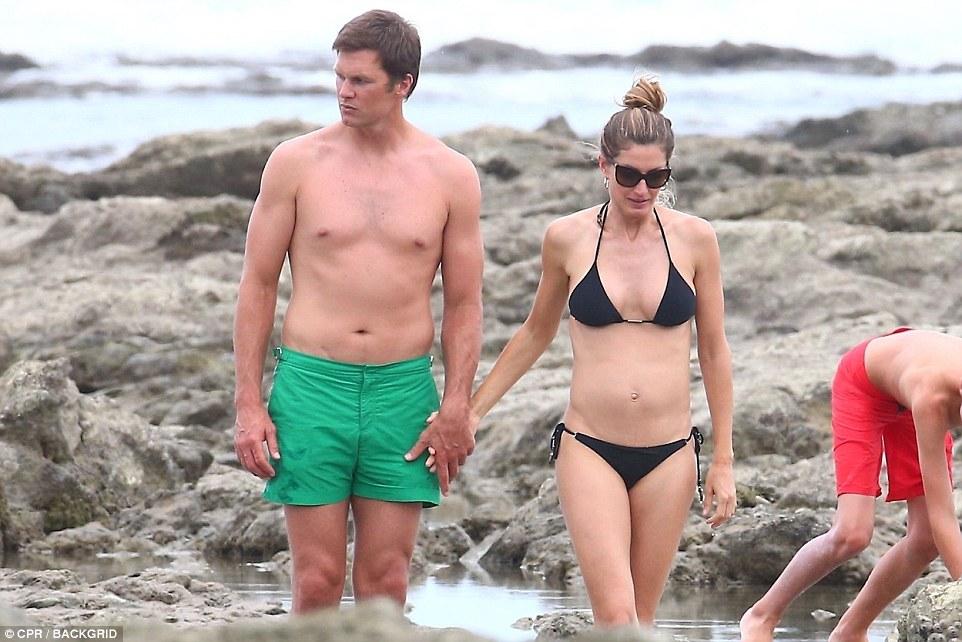 Bikini Costa In RicaphotosQ Looks Skimpy Sensational Gisele qUVpSzMG